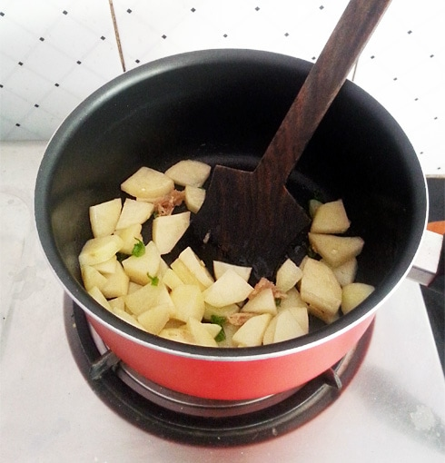 Ginger, Green Chilies and Potatoes, Frying