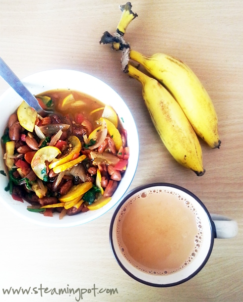 Indian Chai with Sabziwale Rajma and Bananas