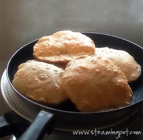 Pooris - Puffed Indian Bread
