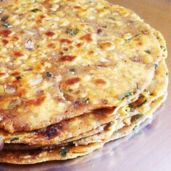 rajma-paratha-close-250