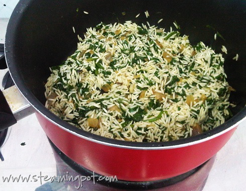 spinach-rice-cooking