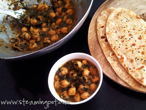 Fenugreek leaves and chickpea curry, with flatbread