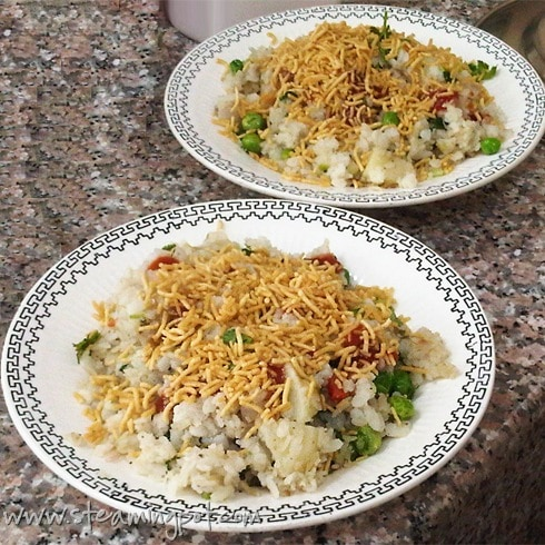 vegetable-poha-served