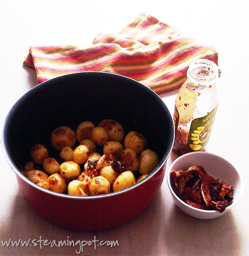 Pan-Fried Baby Potatoes with Sundried Tomato Dressing