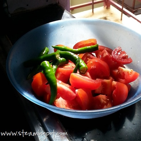 chopped-tomatoes-chilies