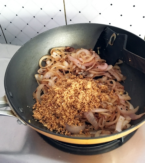 Fried Onions and Spice Powder
