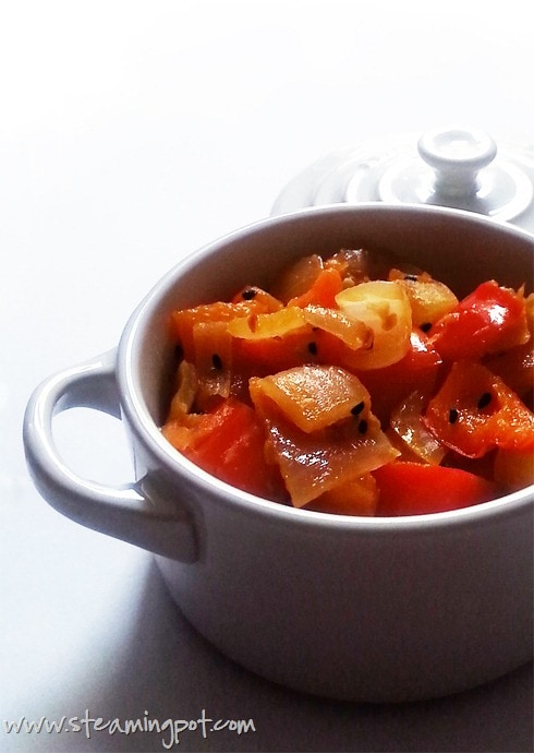 Red Bell Pepper Tomato Curry