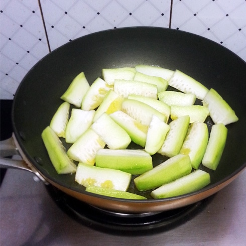 Bottle Gourd Wedges, Cooking Side A