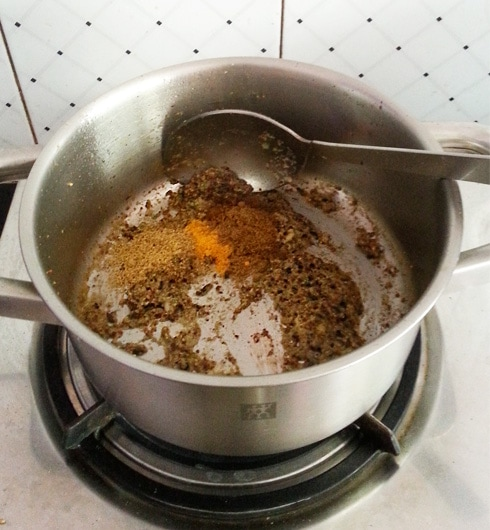 Mustard-Garlic Paste with Dry Spices