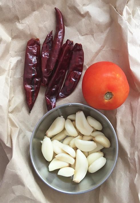 Garlic, Chilies, Tomato