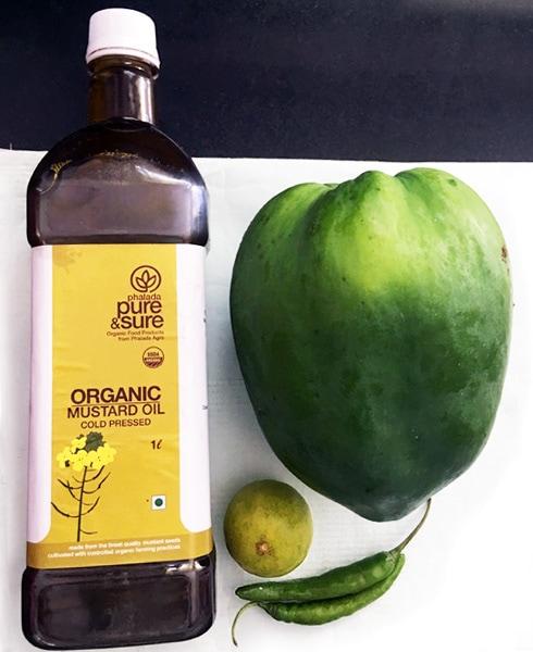 Mustard Oil, Green Papaya, Lemon, Chilies