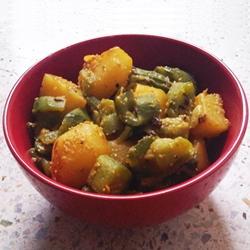 Ridge Gourd Potato Curry with Poppy Seed Paste