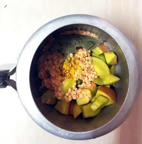 Dal and Pumpkin in Pressure Cooker