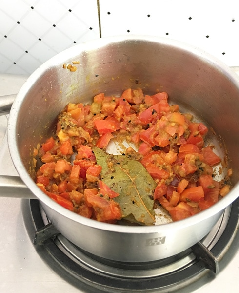 Tomatoes and Spices, Cooking