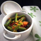 Green Beans in Tomato Garlic
